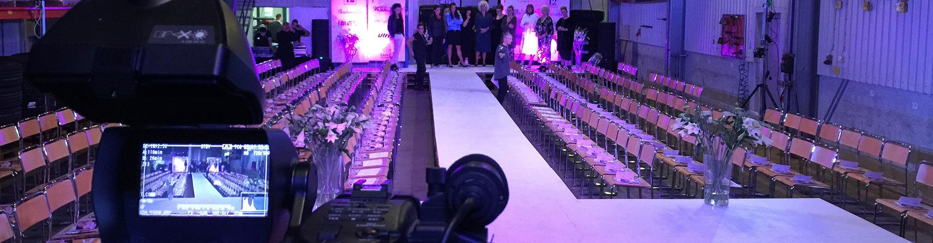 Inspelning av modeshow på catwalk